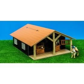 Dřevěná stodola se stájemi pro koně 1:24