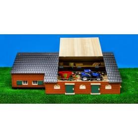 Farmářský dům se zemědělskou budovou 1:32 610111